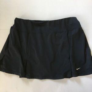 Nike Sports Dri Fit  size L. Black